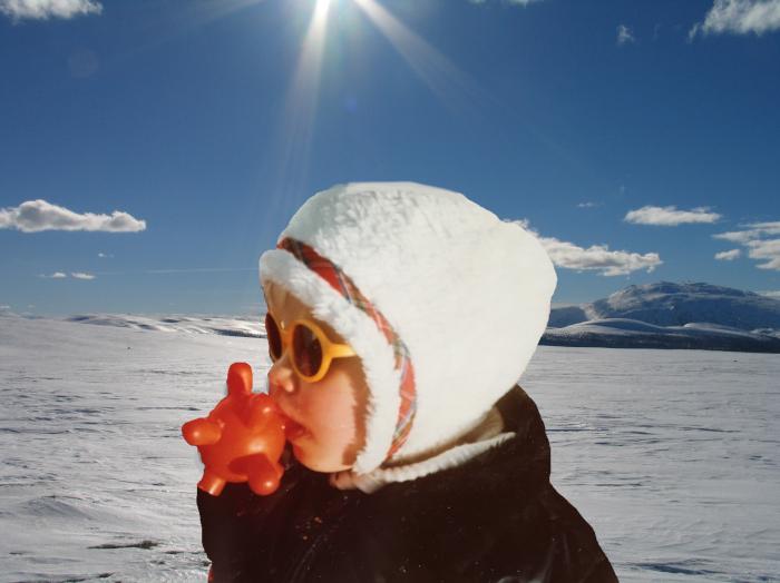 vers, poem, lyrikk, versmål, verselinjer, ordlek, naturglede,  fruktens sødme blir drømt, solkyss mot huden, livet vever i sansers fylde, å søke verdens navle, Forfatter R.R. Kile