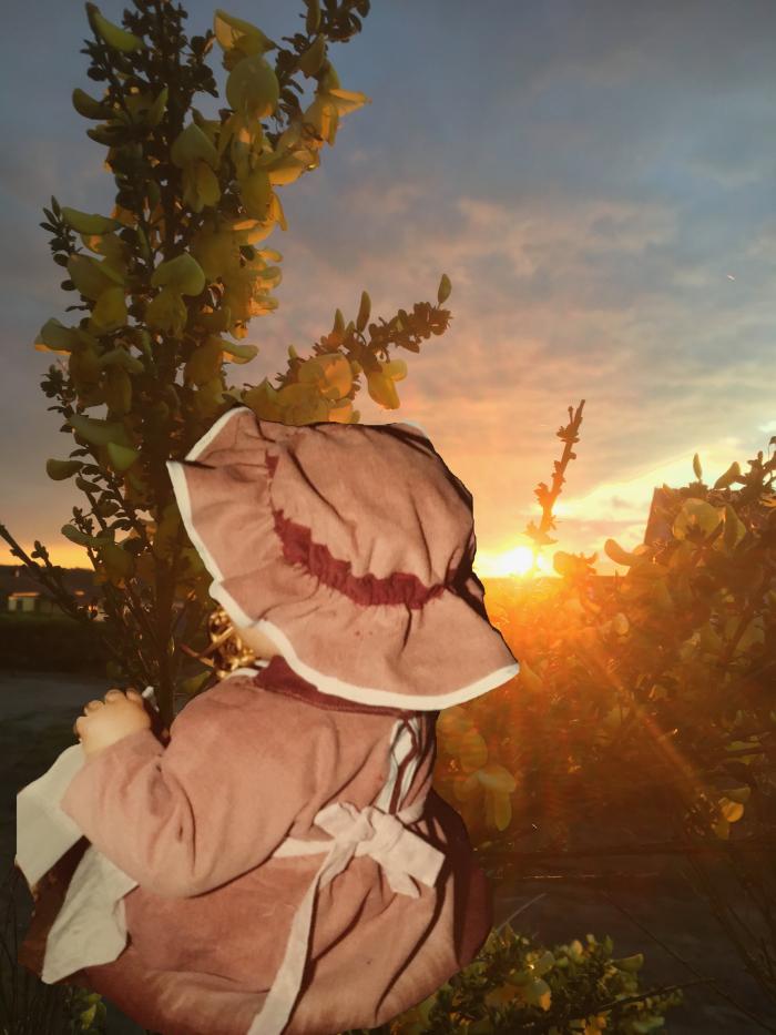Dikt, Det er sukker på desserter, når raseriet stormer, løper angsten og gjemmer seg, det er vilje i sola, spark gjerne i taket, klyp gjerne i skyer, men aldri i livet,  gjerne i vandrestjerna i lek over himmelbuen, ser du ei grind på veien, fremtida kan vente der inne, vers, lyrikk, poesi, versemål, verselinjer, poem, forfatter R.R. Kile